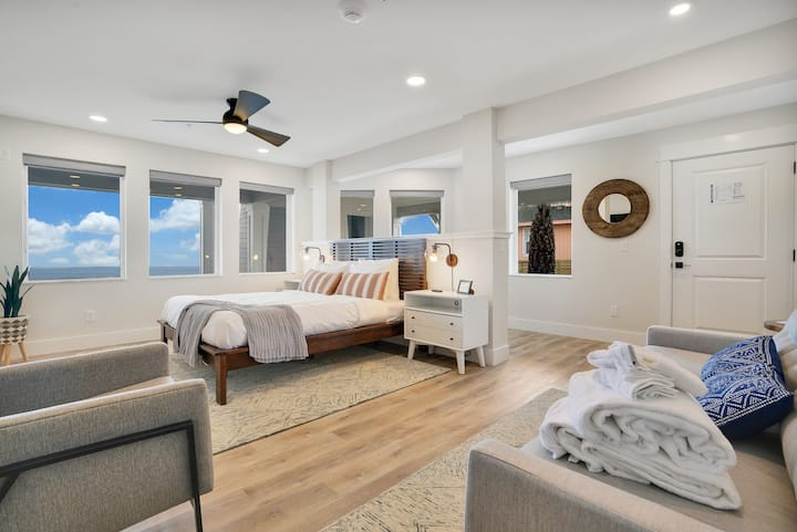Luxurious Accessible Oceanfront Suite - Room 1