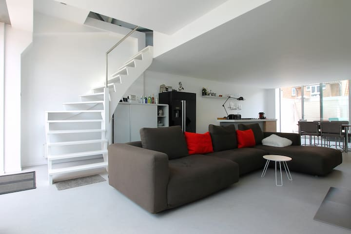 One-Bedroom Loft city Center Brugge