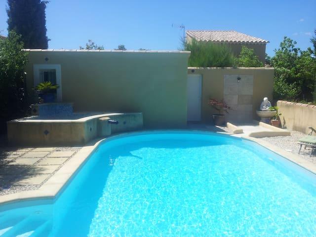 Gîte 1 à 4 personnes en Provence - Saint-Victor-la-Coste - House
