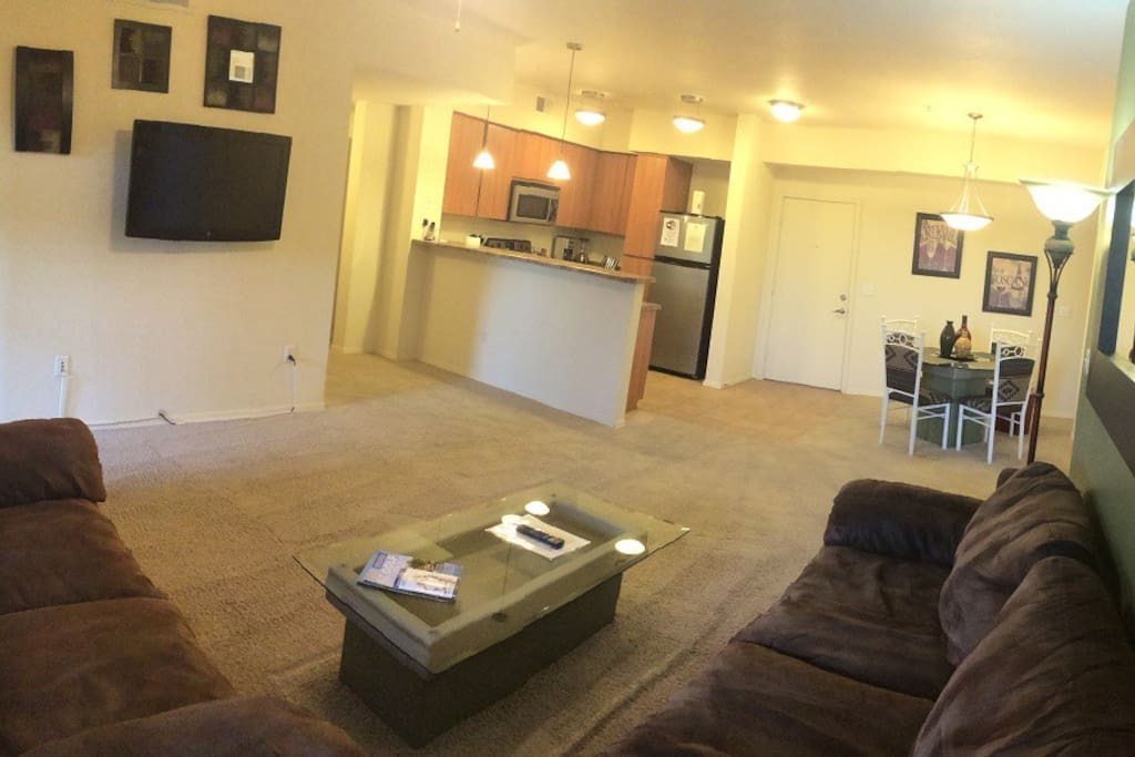 Spacious Open Floor Plan - View From Living Room. New 60 inch Smart TV!