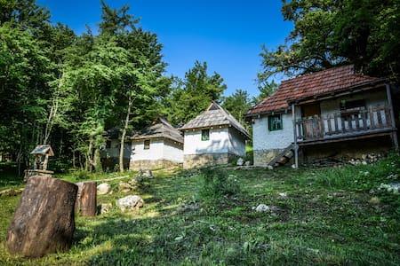 Rafting Camp Divlja Rijeka - Foča - Bungalou