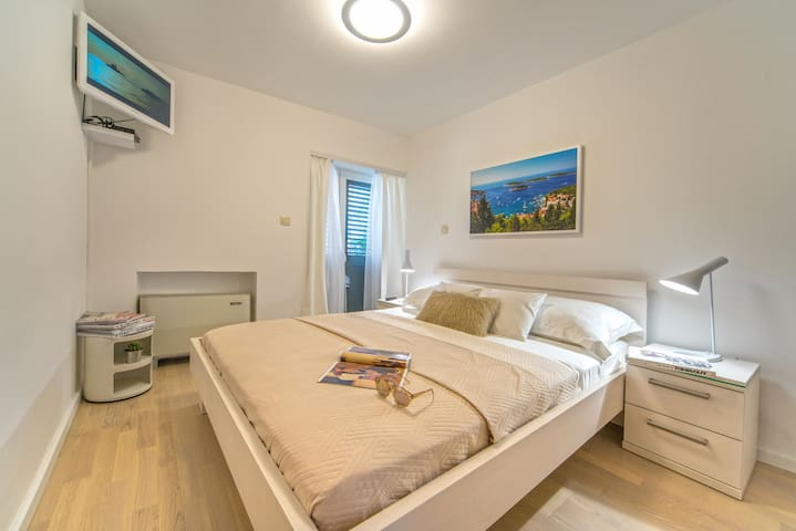 Villa Romantique in City Center of Hvar