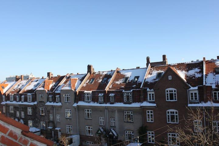 Townhouse Copenhagen 3 stories tall 170m2 Østerbro