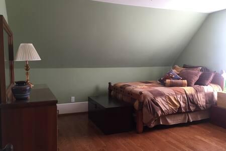 Historic Charmer Stephen's Bedroom - Cookeville - Ev