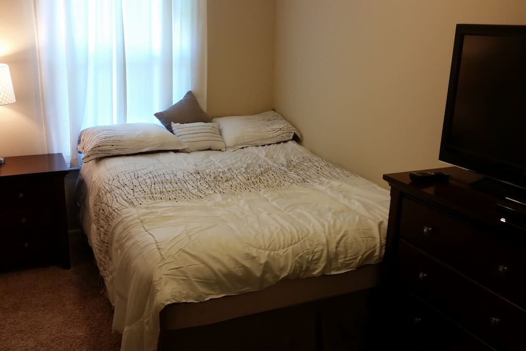 Bedroom Furniture Des Moines Iowa Images Homemakers - Bedroom furniture des moines iowa