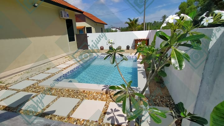 Kuala Terengganu Family Suite with a Private Pool