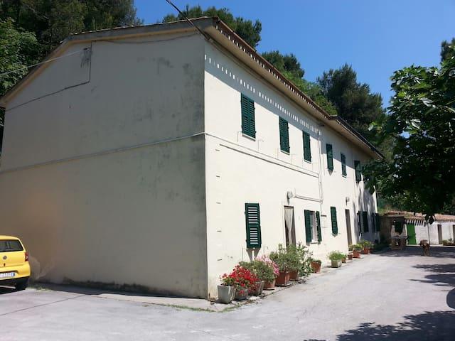 """Casa vacanze in Riviera del Conero """"AL POGGIO"""""""