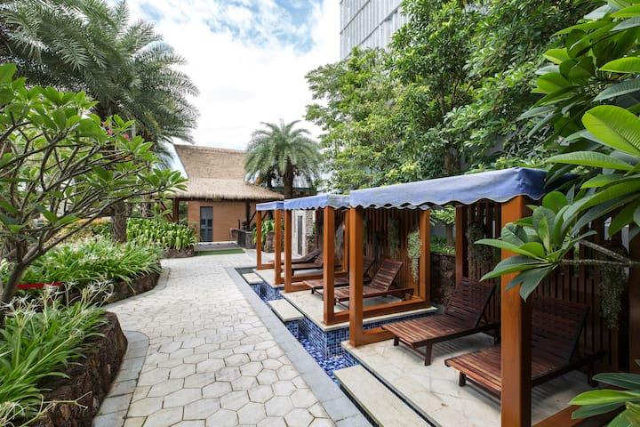 别墅小区带泳池 私家花园 私家登山道 豪华双床玫瑰海岸海景房