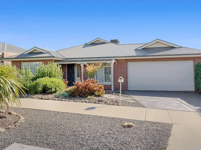 Bacchus Marsh Family home with a View