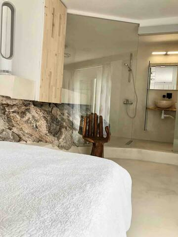 Spa Room en suite with King Size bed and terrace access