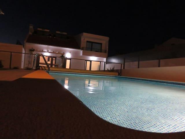 Planeta da Peralta. New house - Atalaia - Casa
