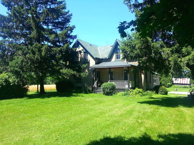 River Front Nine Mile River House - Goderich - Stuga