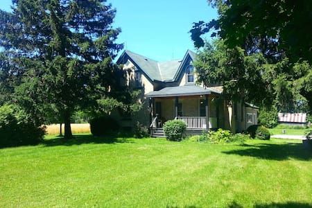 River Front Nine Mile River House - Goderich - Zomerhuis/Cottage