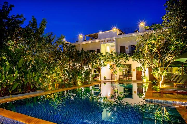 Private Pool Villa 8 Rooms - Private Parking - BBQ