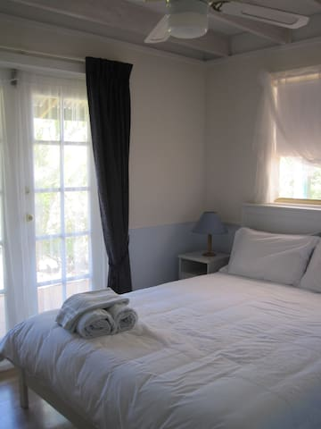 Treetops Guest House - Lower Chittering - Bed & Breakfast