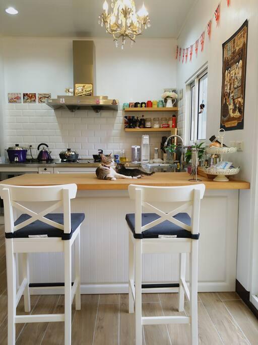 廚房 our kitchen