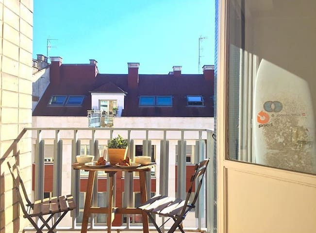 Bright apartment 3rooms at 100m from the Beach - Gijón - Daire