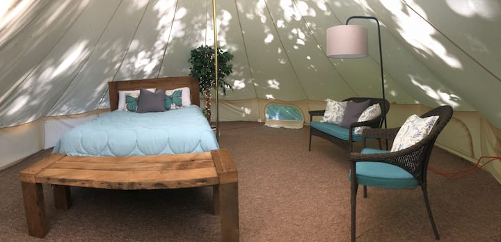 Wooded Escape-Yurt Glamping
