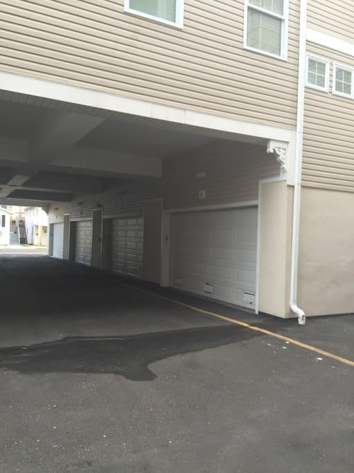 Corner unit with 2 car garage