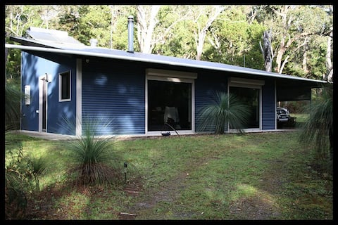 Peaceful, bushland S/C cottage