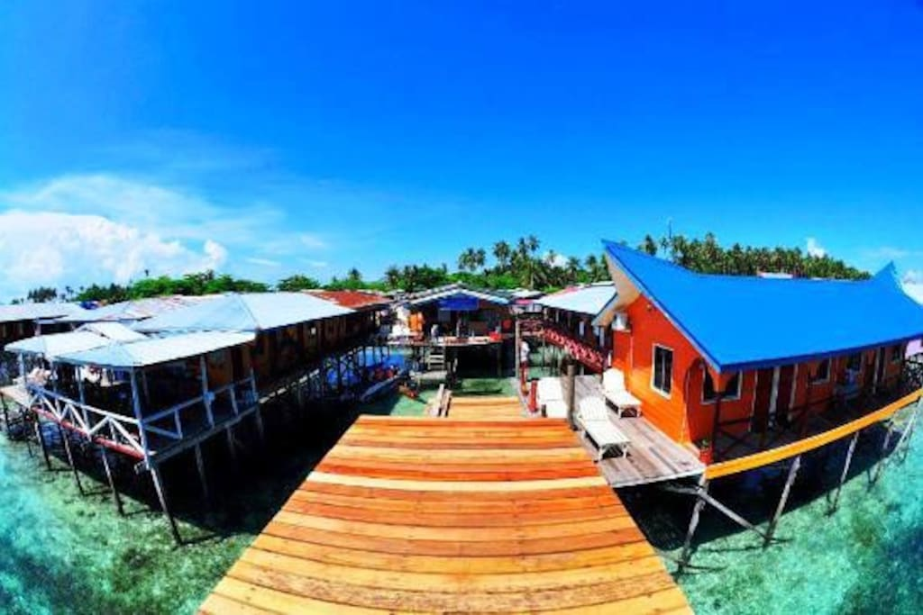 Arung Hayat Lodge in Mabul Island