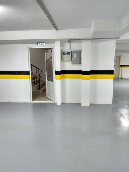 Garaza, parking