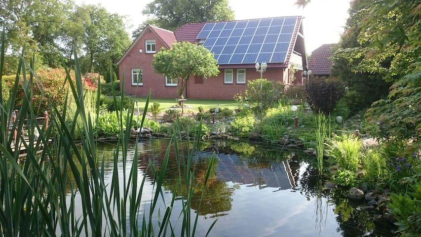 Landhaus mit schönem Garten - Großefehn - Rumah
