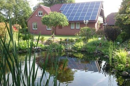 Landhaus mit schönem Garten - Großefehn