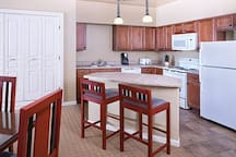 Steamboat 2BR DLX #1 (FREE WiFi / NO CLEAN FEE)