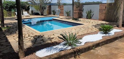 Excellent cottage/ pool and barbecue grill