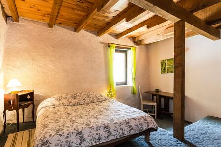 """Farenc guesthouse"", Indolence room - Glandage - Bed & Breakfast"