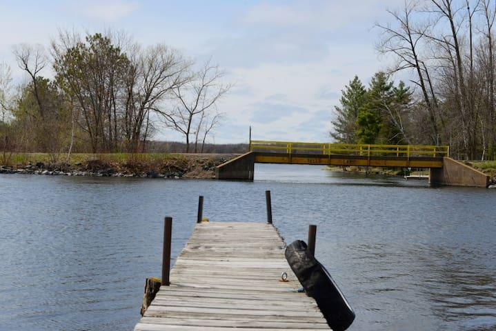 Big Yellow lake Condo with Dock, Lake Front