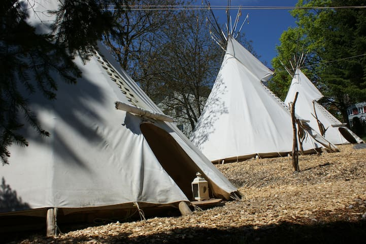 "Villa Donkey Tipi ""Red Fire"""