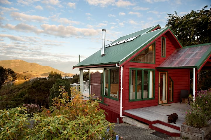 Hereweka garden Retreat- Luxury Eco - Dunedin - Apartment