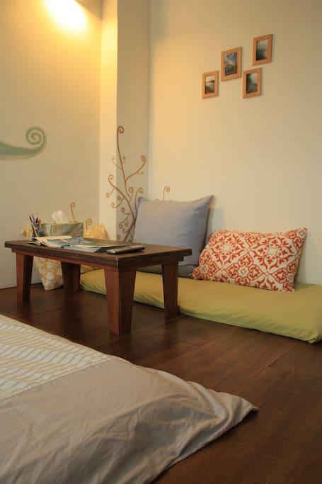小小沙發區,可以好好窩著休息一下