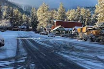 Charming Downtown Wrightwood  Photo credit: Wrightwood Chamber of Commerce