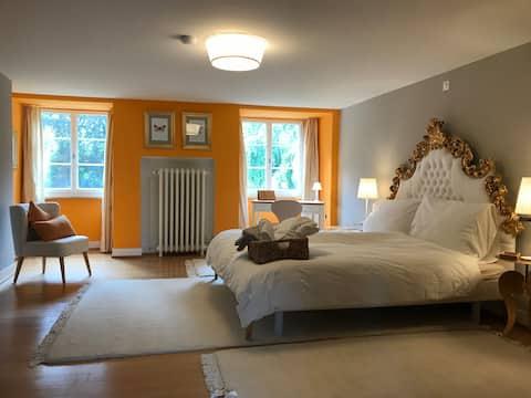 The golden room of Villa Jakobsbrunnen