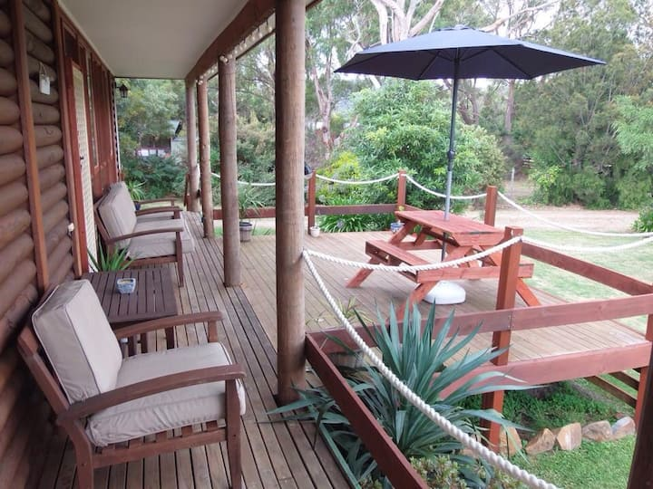 Chloe's Cabin Accommodation