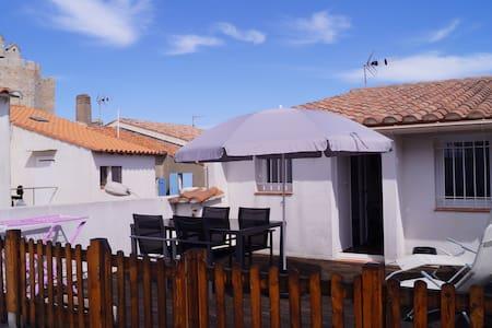 petite maison sur toit terrasse - Saintes-Maries-de-la-Mer - Řadový dům