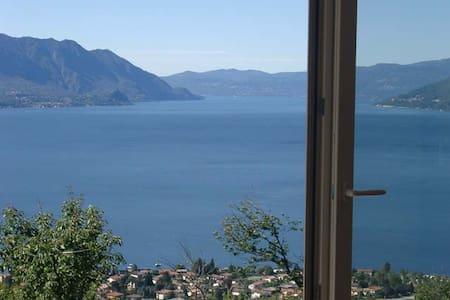 GIRASOLE: Villa-Appartamento Lago Maggiore - Maccagno con Pino e Veddasca