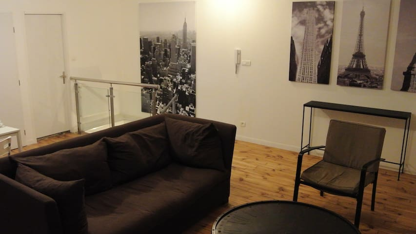 meubl design proche commodit s appartamenti in affitto a saint tienne rodano alpi francia. Black Bedroom Furniture Sets. Home Design Ideas