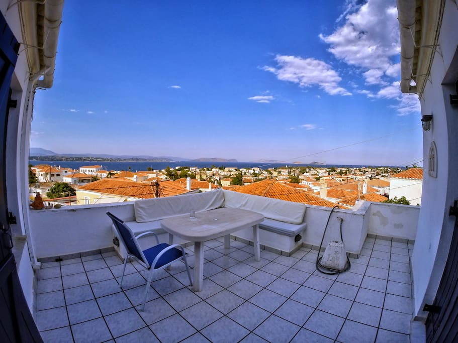 A picture of the top floor's balcony - enjoy the spectacular view (fisheye lens)