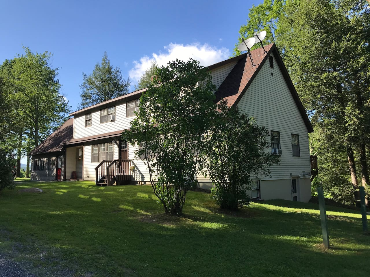 Large Ski Home In Great Location