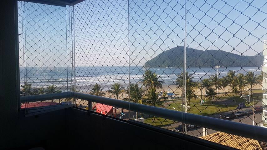 Apartamento 3 Quartos Frente a Praia  de Bertioga