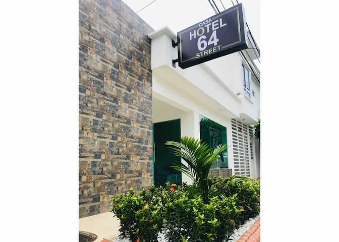 Casa Hotel 64 Street