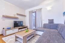 Apartment House Nikola (73753-A1)