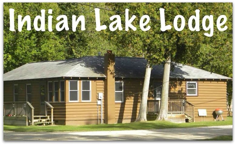 Wi-Fi & Cable included-Indian Lake Lodge - Manistique - Casa