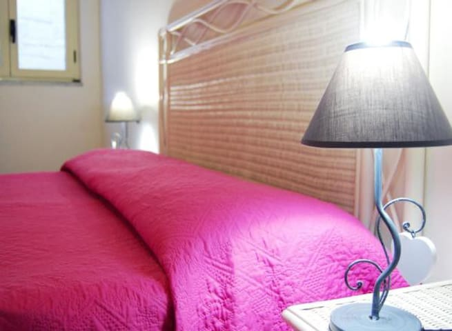 Capo Rizzuto - Holiday apartment in Villa really on the sea