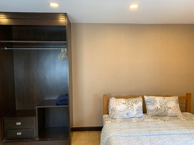Silom 3 apartment no.7 (BTS Saladaeng station)