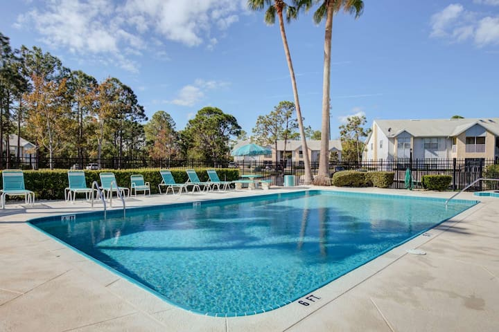 Serene Condo < 2 Miles to Daytona Intl Speedway-Tanger/Volusia Malls w/ Heated Pool-Spa-Fitness Room